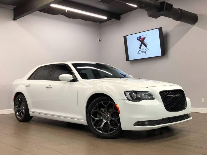 2015 Chrysler 300 for sale at TX Auto Group in Houston TX