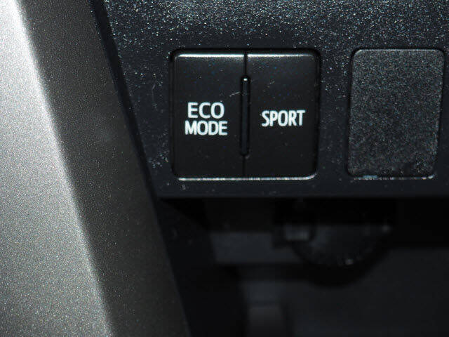 2017 Toyota RAV4 AWD LE 4dr SUV - Montclair NJ