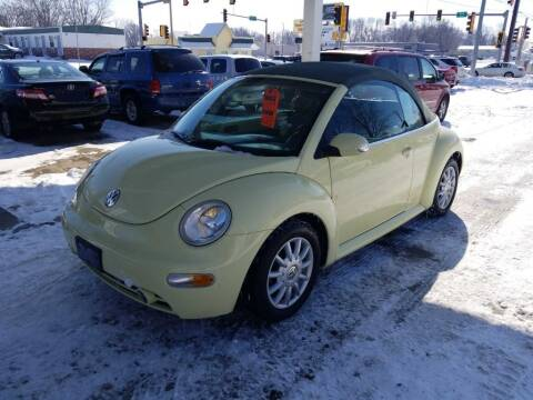 2005 Volkswagen New Beetle Convertible for sale at Springfield Select Autos in Springfield IL