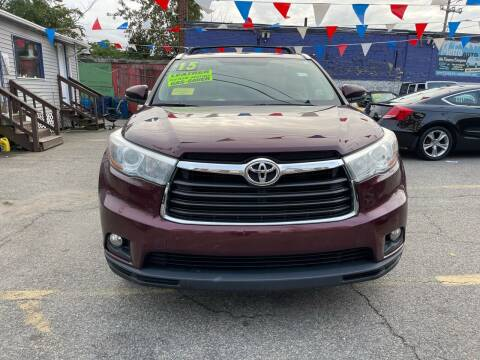 2015 Toyota Highlander for sale at Metro Auto Sales in Lawrence MA