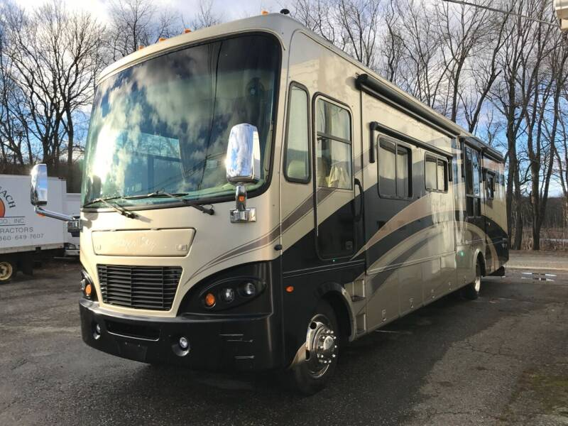 2008 Tiffin Allegro Bay for sale at J.W.P. Sales in Worcester MA