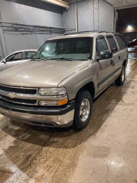 2001 Chevrolet Suburban for sale at Square Business Automotive in Milwaukee WI