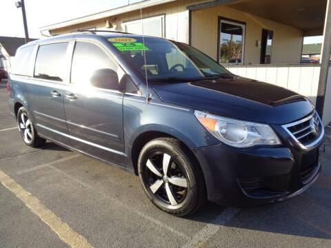 2009 Volkswagen Routan for sale at BBL Auto Sales in Yakima WA