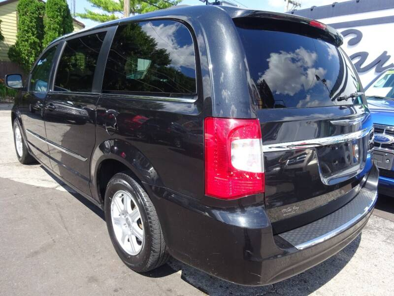 2012 Chrysler Town and Country Touring 4dr Mini-Van - West Allis WI