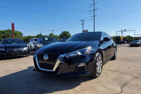 2020 Nissan Altima for sale at International Auto Sales in Garland TX