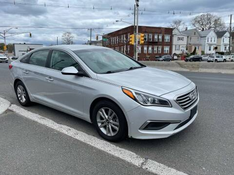 2016 Hyundai Sonata for sale at G1 AUTO SALES II in Elizabeth NJ
