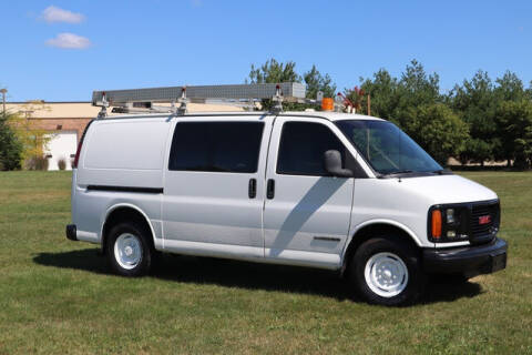 2002 GMC Savana Cargo for sale at Signature Truck Center in Crystal Lake IL