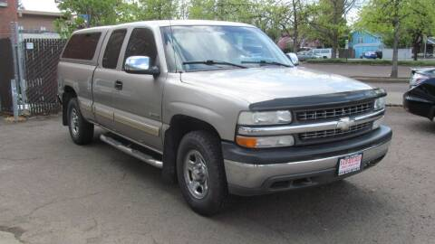 2001 Chevrolet Silverado 1500 for sale at D & M Auto Sales in Corvallis OR