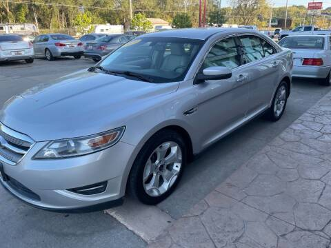 2010 Ford Taurus for sale at Azteca Auto Sales LLC in Des Moines IA