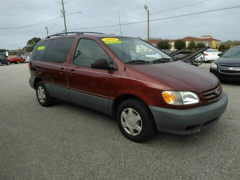 2001 Toyota Sienna for sale at Kelly & Kelly Supermarket of Cars in Fayetteville NC