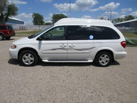2005 Dodge Grand Caravan for sale at Car Corner in Sioux Falls SD
