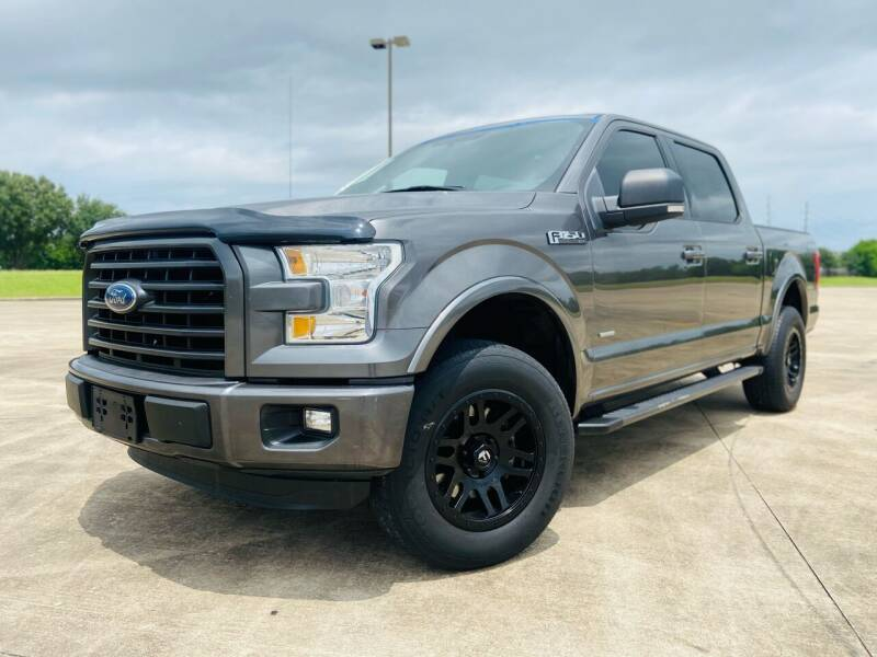 2015 Ford F-150 for sale at AUTO DIRECT Bellaire in Houston TX