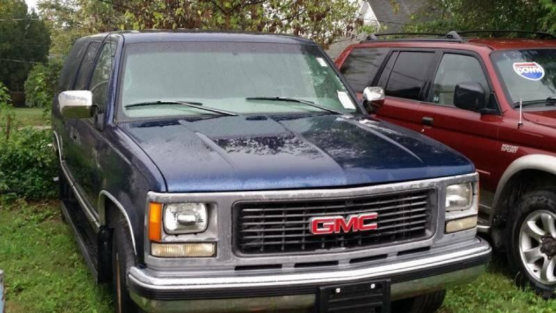 1998 GMC Suburban for sale at New Start Motors LLC in Montezuma IN