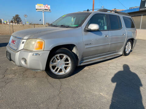 2006 GMC Envoy XL for sale at AUTO NATIX in Tulare CA