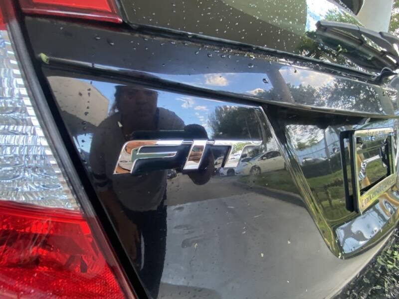 2017 Honda Fit LX 4dr Hatchback 6M - Davie FL