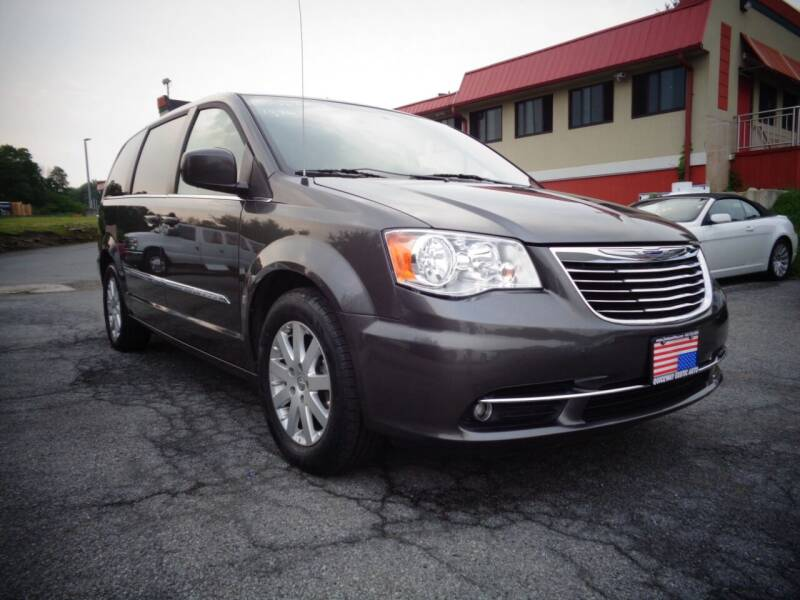 2016 Chrysler Town and Country for sale at Quickway Exotic Auto in Bloomingburg NY