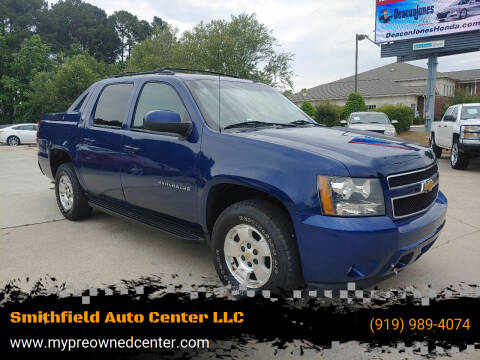 2013 Chevrolet Avalanche for sale at Smithfield Auto Center LLC in Smithfield NC