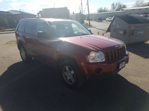 2005 Jeep Grand Cherokee for sale at BERKENKOTTER MOTORS in Brighton CO