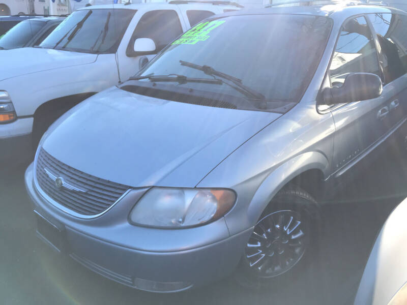 2001 Chrysler Town and Country for sale at American Dream Motors in Everett WA