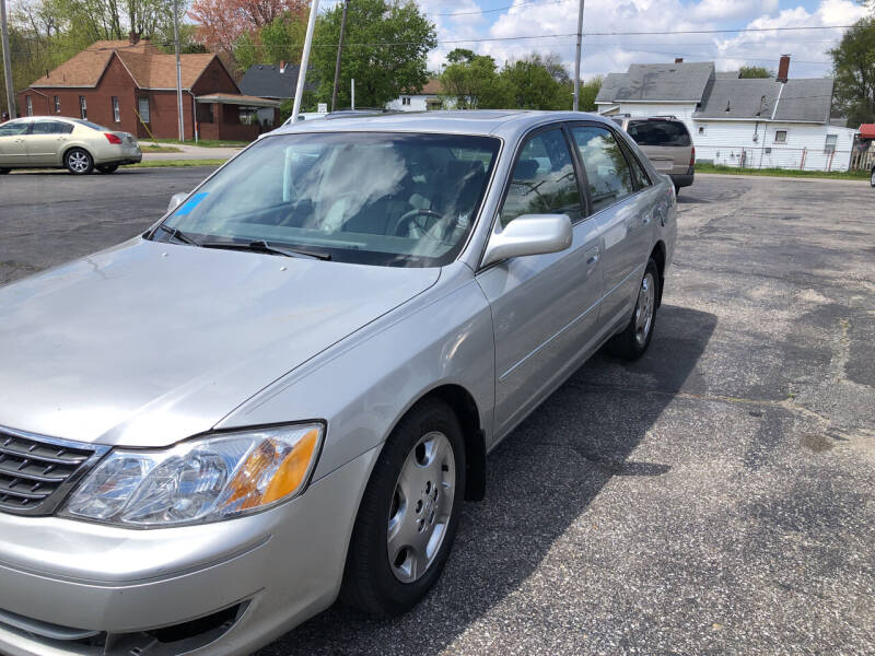 2004 Toyota Avalon for sale at Mike Hunter Auto Sales in Terre Haute IN