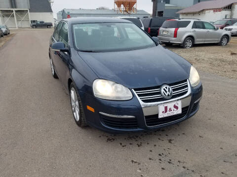 2005 Volkswagen Jetta for sale at J & S Auto Sales in Thompson ND
