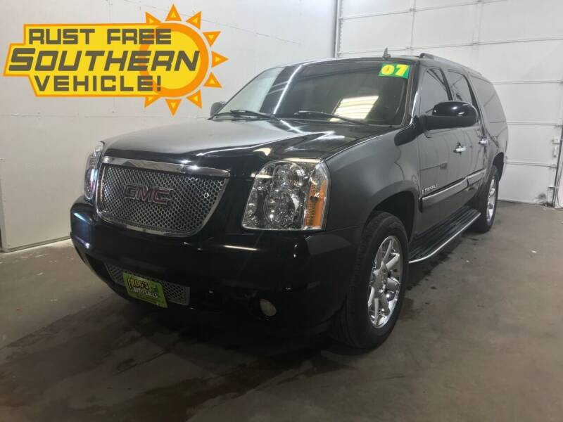 2007 GMC Yukon XL for sale at Frogs Auto Sales in Clinton IA
