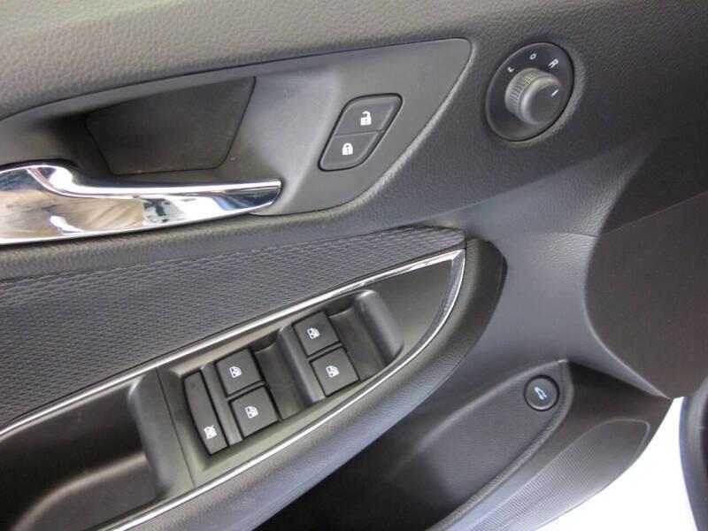 2018 Chevrolet Cruze LT Manual 4dr Sedan - Adel IA