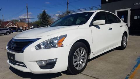 2015 Nissan Altima for sale at Julian Auto Sales, Inc. in Warren MI
