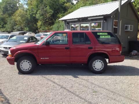 2004 Chevrolet Blazer for sale at GIB'S AUTO SALES in Tahlequah OK