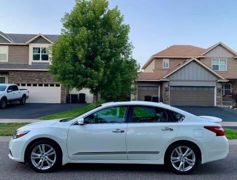 2017 Nissan Altima for sale at You Win Auto in Burnsville MN