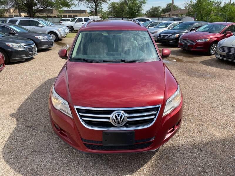 2009 Volkswagen Tiguan for sale at Good Auto Company LLC in Lubbock TX