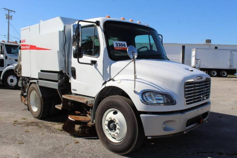 2007 Freightliner M2 106 for sale in Miami, FL
