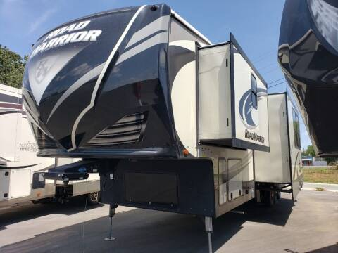 2017 Heartland Road warrior 427 for sale at Ultimate RV in White Settlement TX
