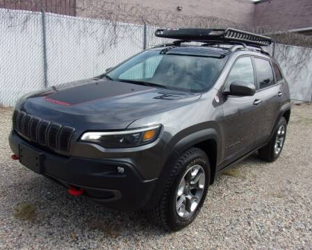 2019 Jeep Cherokee for sale at Amazing Auto Center in Capitol Heights MD