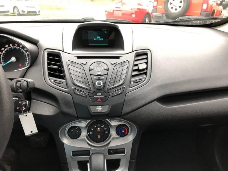 2017 Ford Fiesta SE 4dr Sedan - Pearland TX