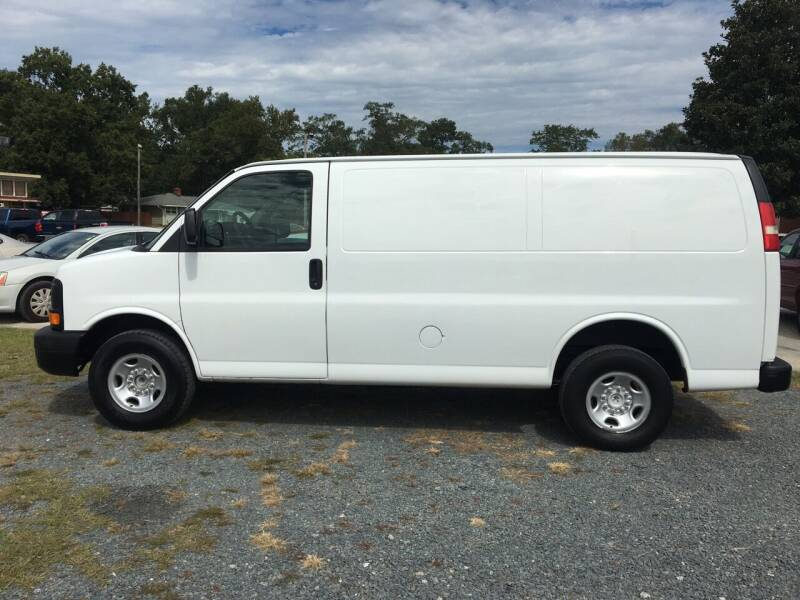 2009 Chevrolet Express Cargo for sale at LAURINBURG AUTO SALES in Laurinburg NC