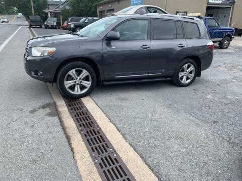 2008 Toyota Highlander for sale at GET N GO USED AUTO & REPAIR LLC in Martinsburg WV