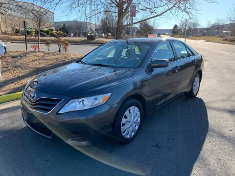 2011 Toyota Camry for sale at Dreams Auto Group LLC in Sterling VA