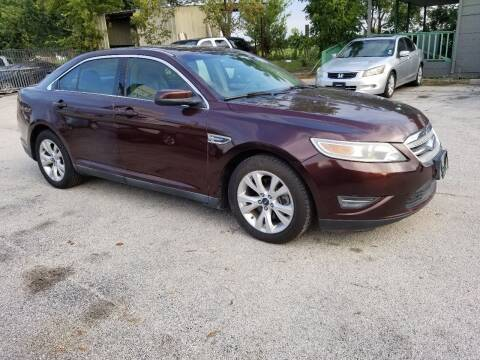2012 Ford Taurus for sale at ACE AUTOMOTIVE in Houston TX