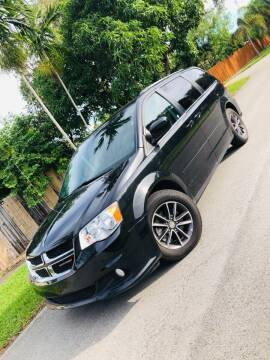2017 Dodge Grand Caravan for sale at IRON CARS in Hollywood FL