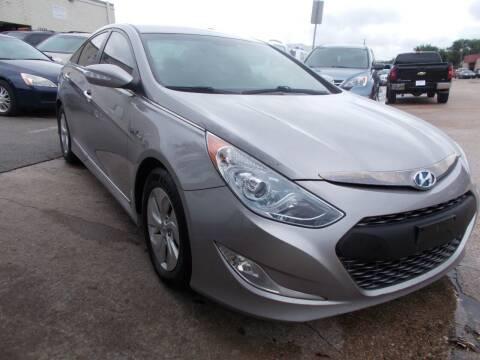 2013 Hyundai Sonata Hybrid for sale at ACH AutoHaus in Dallas TX