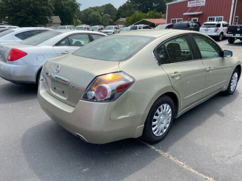 2009 Nissan Altima for sale at Sartins Auto Sales in Dyersburg TN