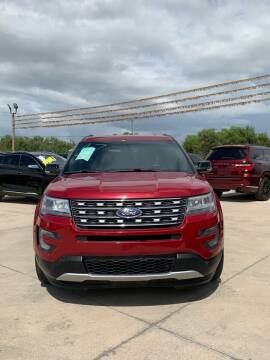 2017 Ford Explorer for sale at A & V MOTORS in Hidalgo TX