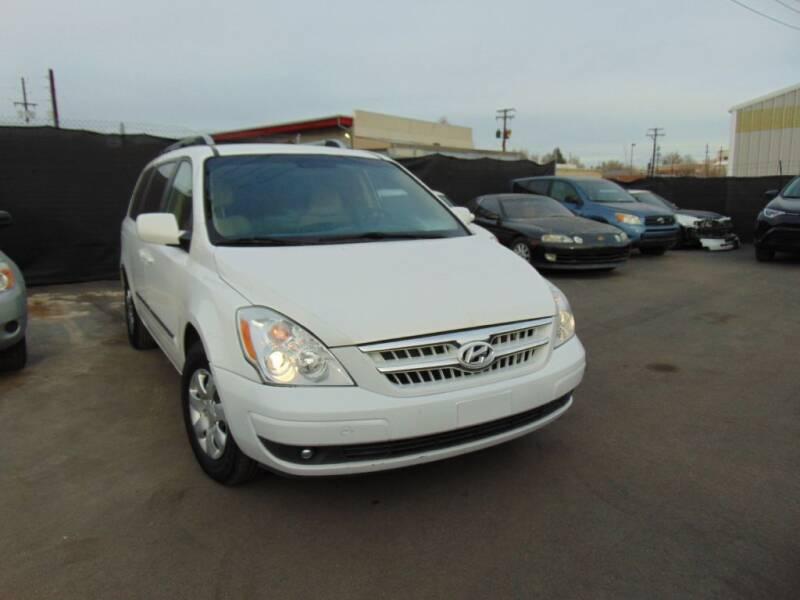 2007 Hyundai Entourage for sale at Avalanche Auto Sales in Denver CO