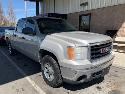 2007 GMC Sierra 1500 for sale at AUTO NATIX in Tulare CA