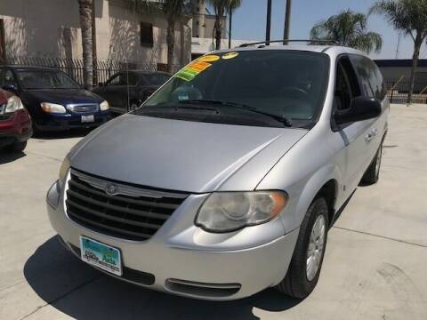 2007 Chrysler Town and Country for sale at GreenLight  Auto Sales in Modesto CA
