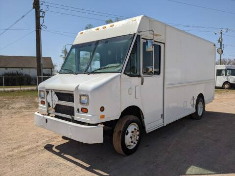 2000 Freightliner MT45 Utilimaster P700 for sale at Tucson Motors in Sioux Falls SD