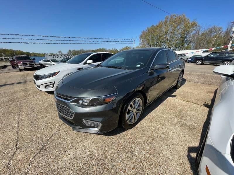 2017 Chevrolet Malibu for sale at Greg's Auto Sales in Poplar Bluff MO