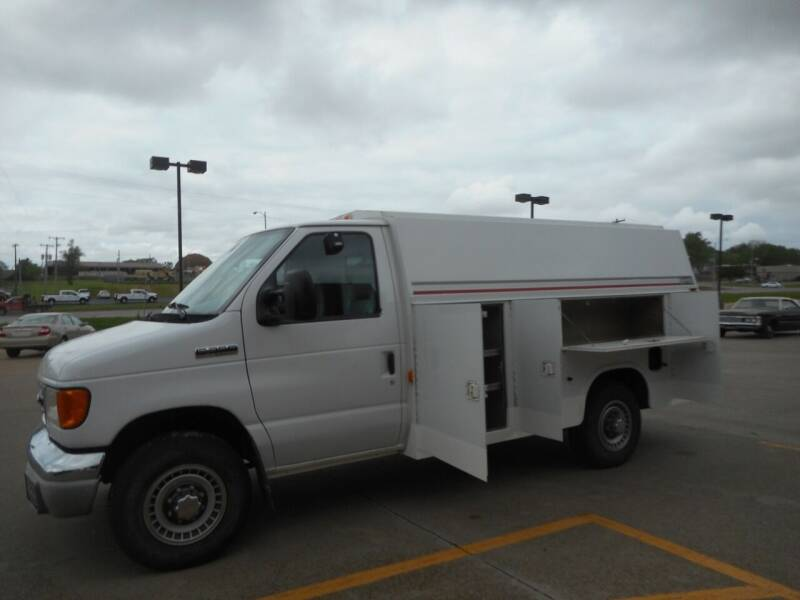 2003 Ford E-350 for sale at Boyett Sales & Service in Holton KS