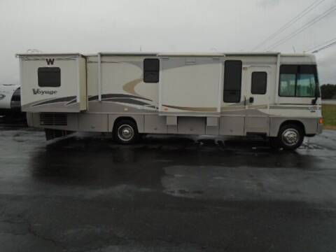2006 Winnebago Voyage 35A for sale at Lee RV Center in Monticello KY